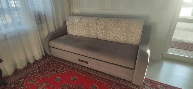 Продам диван трёхместный