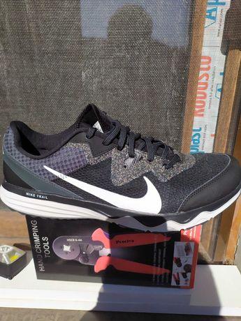 Adidasi Nike trail