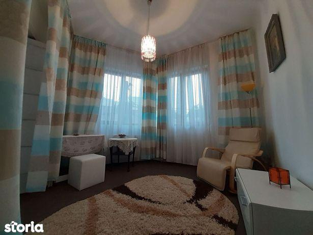 Ultracentral Eminescu 3 camere in vila curte comuna