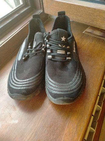 Продаётся детская обувь