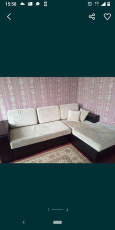 Продам угловой диван Хороший торг реальному покупателю