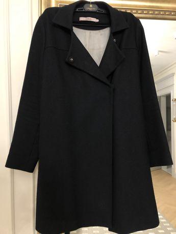 Продам черное пальто Massimo Dutti