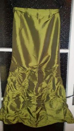 """Дълга зелена пола с ефектен драпиран волан на фирма """"Енита"""""""