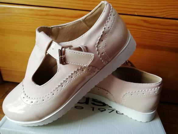Лачени нови обувки 38н