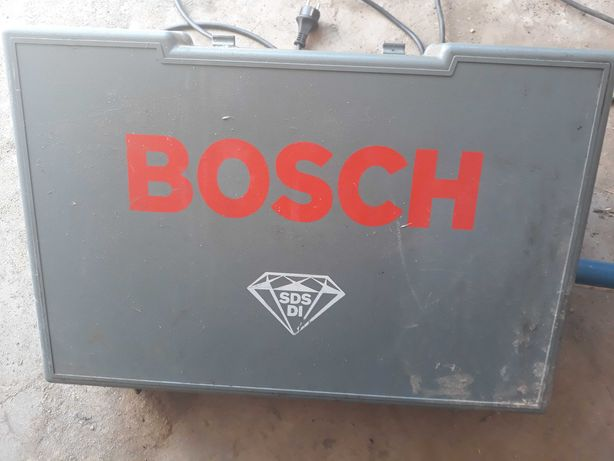Masina de gaurit Bosch cu tub carotier