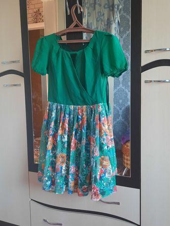 Летнее платье. Есть ремешок такого же цвета . рукова на ризинке .