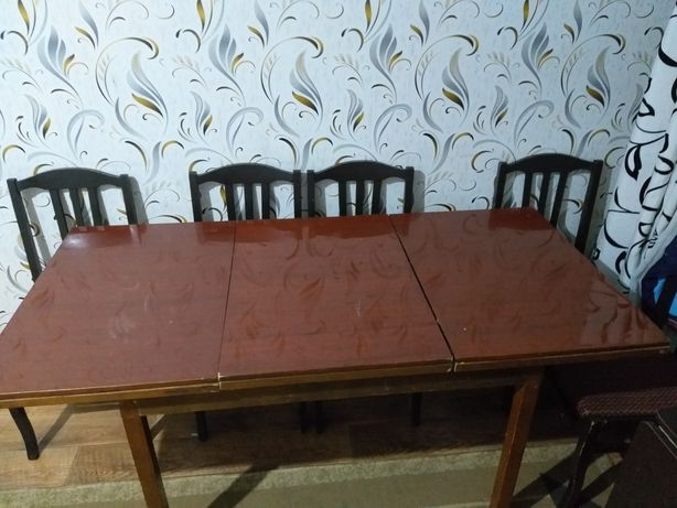 Срочно Продам стол с стульями