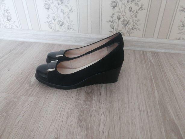 Туфли замшевые уничел