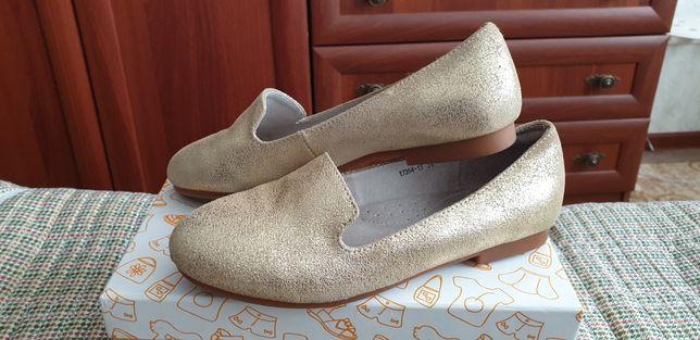 Туфли для девочки из натуральной кожи 34р. в идеальном состоянии