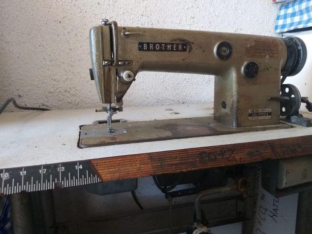 Mașină de cusut industrială Brother db2-b755-3