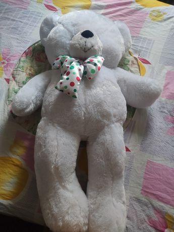 Мягкий,плюшевый медведь