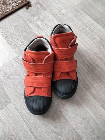 Детские ботинки в отличном состоянии