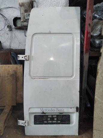 Задняя левая дверь Мерседес Спринтер 311