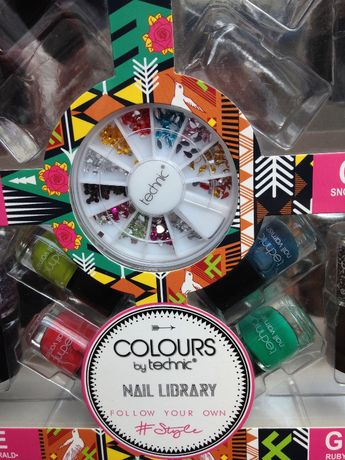 Colours by technic nail library