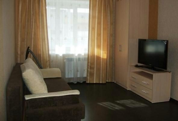 Сдам 3-- комнатную квартиру на Брусиловского. На длительный срок