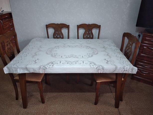 Мебель для гостиной стол и стулья 70 000, диван 35000,