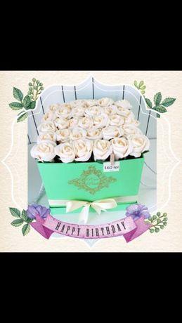 Vand trandafiri artificiali realizati manual
