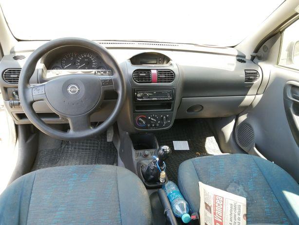 Dezmembrez Opel Corsa c 2002