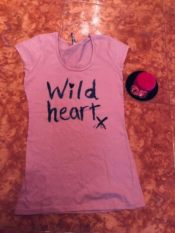 Тениска с брокатен надпис Wild heart