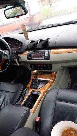 Vand BMW X5 ,an 2002,motor 3.0l diesel ,230cp,inmatriculat.
