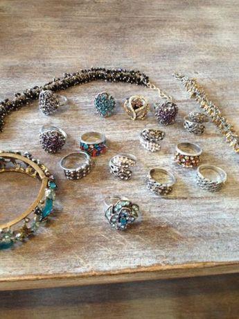 Всичко за 40лв.пръстени и гривни с камък