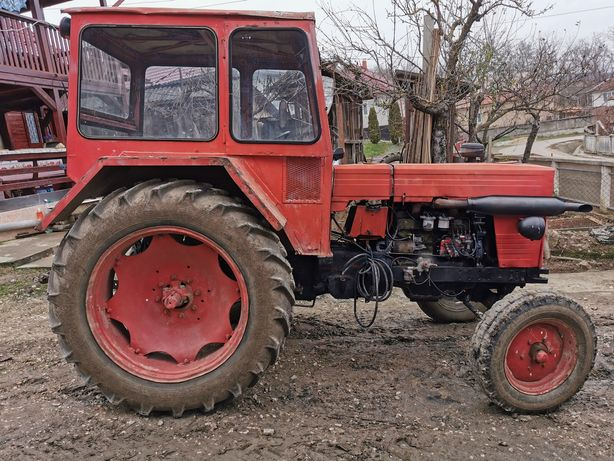 Vand Tractor U650 - 3.800 euro, disc - 6.000lei, plug - 3.000lei