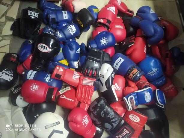 Боксерские перчатки.шлема .капы бинты