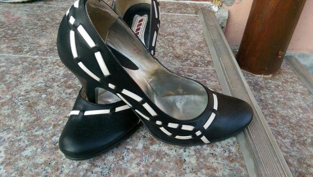 Pantofi piele cu impletituri
