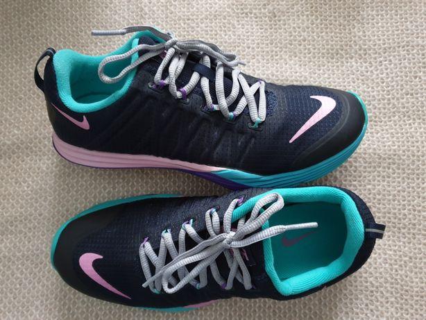 Nike lunarlon  adidas alergare