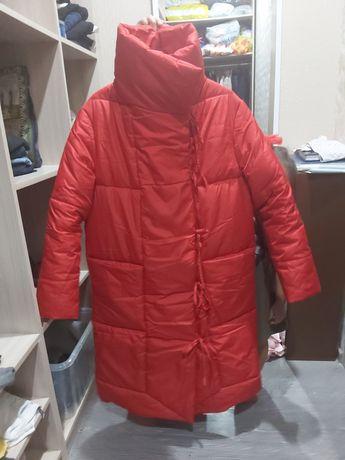 Продам куртку в отличном состоянии почти новое
