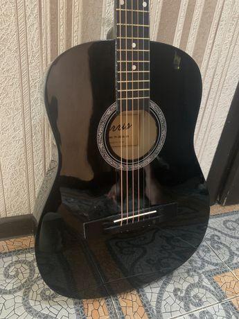 Продам гитару. Есть адекватный торг