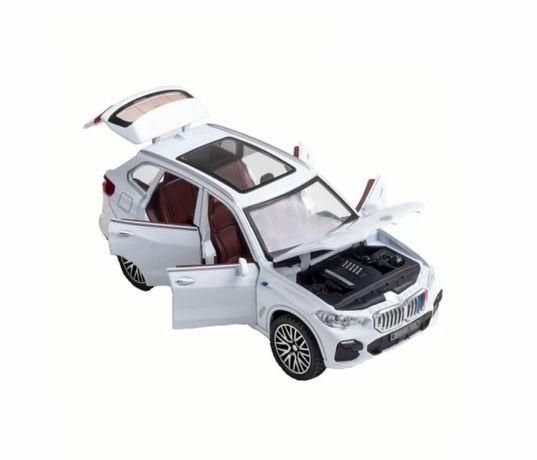 Mașinuță metalică mecanică BMW X5 pachet M , produs nou