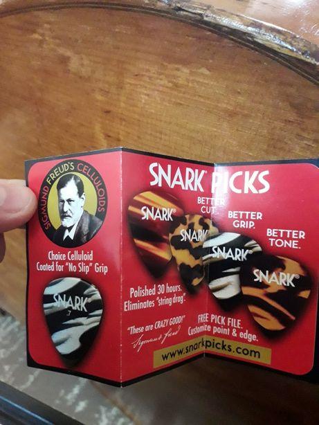 Vând pană profesională de chitară, marca SNARK(made in U.K)