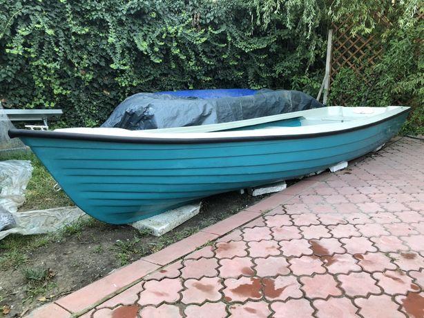 Vand barca noua model Delta 500