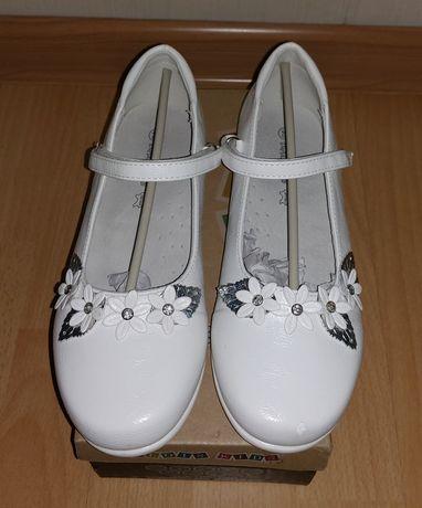 Туфли нарядные на девочку, размер 33