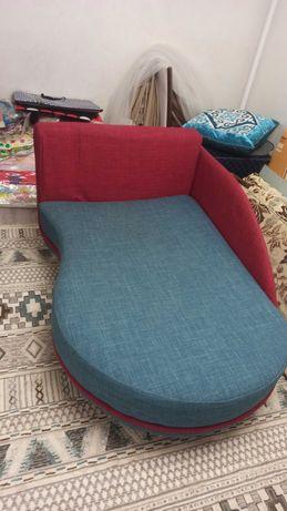 Раскладной диван, кровать