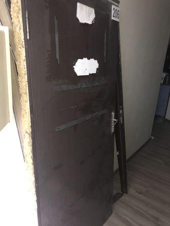 Межкомнатный дверь