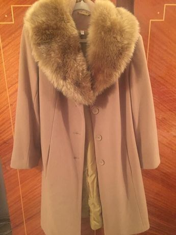 Palton stofa cu guler blana
