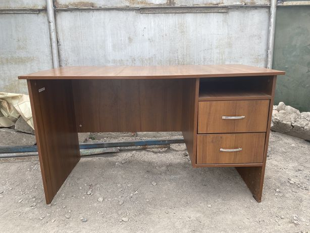 Продам офисный стол