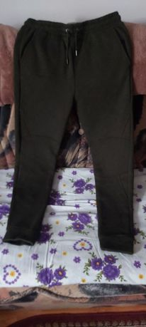 Pantaloni marimea M
