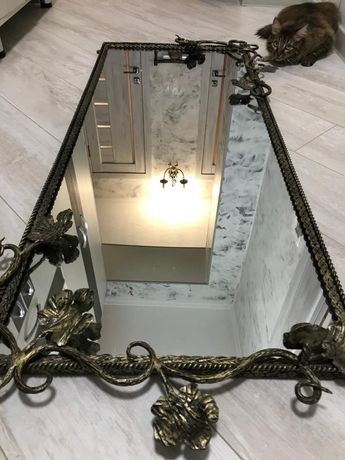 Продам зеркало и подцветочник