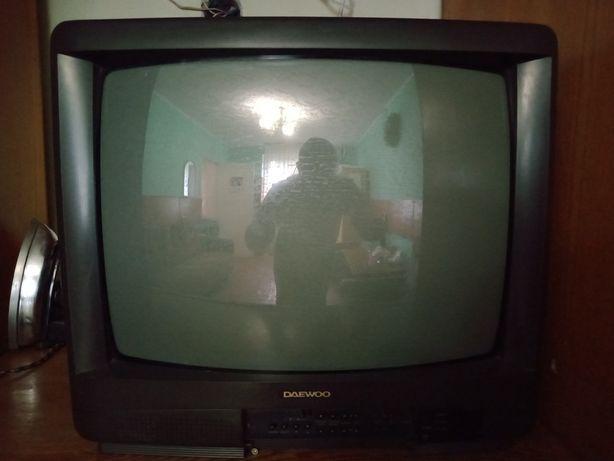 Продам рабочий телевизор не большой