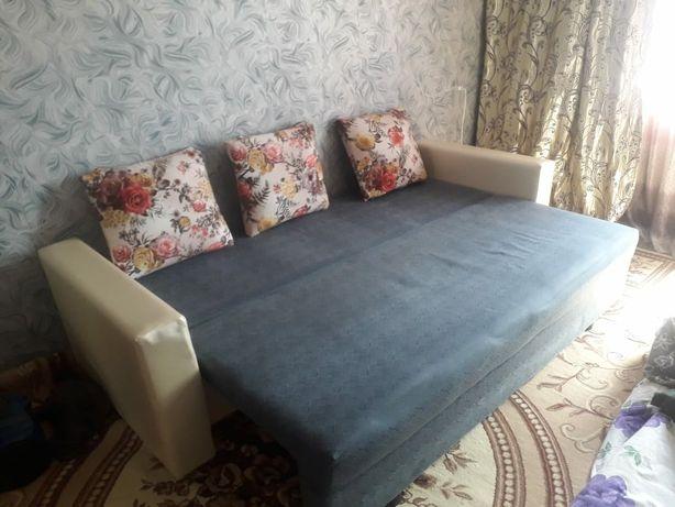 Продам диван в хорошем состояний
