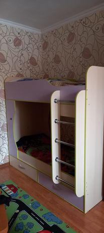 Продам подростковую двухярусную кровать б/у