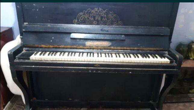 Продам отличную пианину