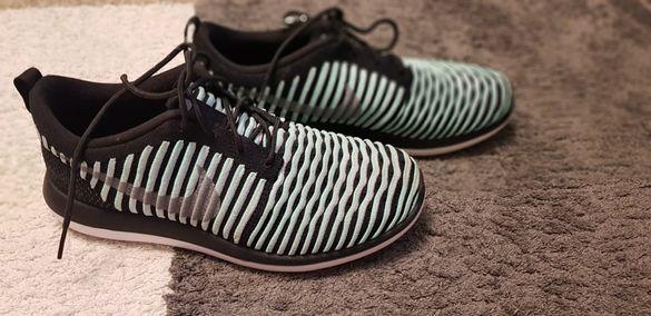 Маратонки Nike      .