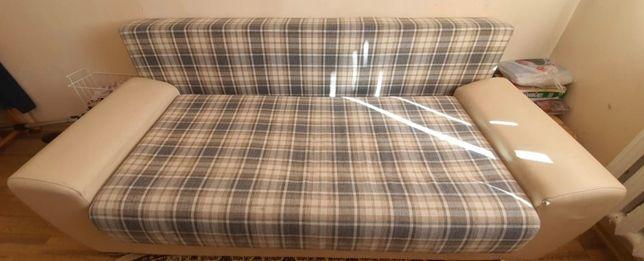 Продаётся мягкий и раскладной диван