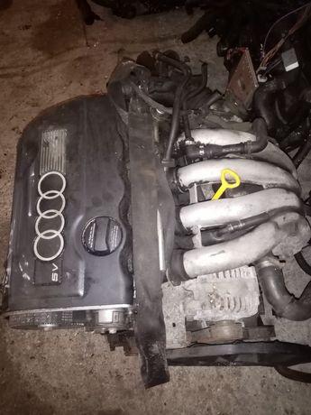 Двигатель на Audi A4 1.8л 20клап.