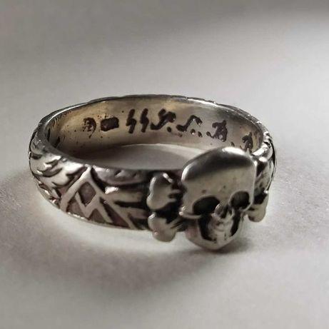 Германски сребърен пръстен waffen SS за заслуги