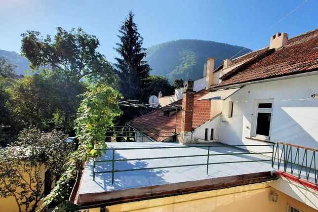 Apartament spatios 4 camere in casa - centru, Brasov